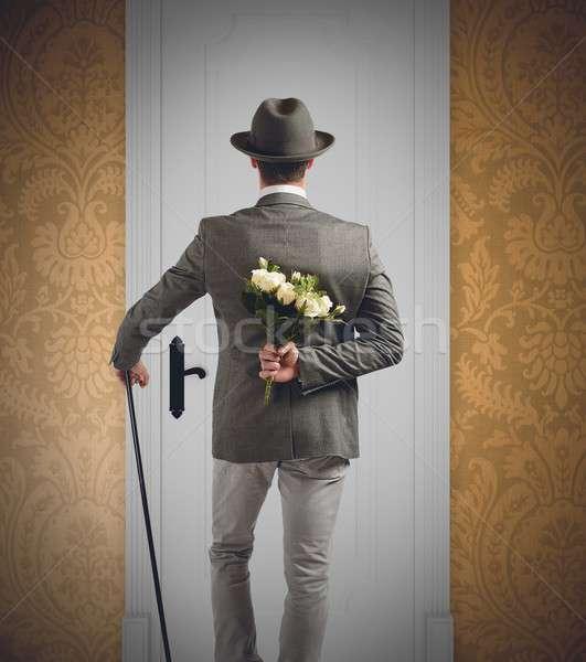 Dżentelmen niespodzianką miłości piękna bukiet facet Zdjęcia stock © alphaspirit