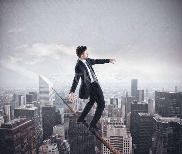 Problema negocios empresario equilibrio cuerda ciudad Foto stock © alphaspirit