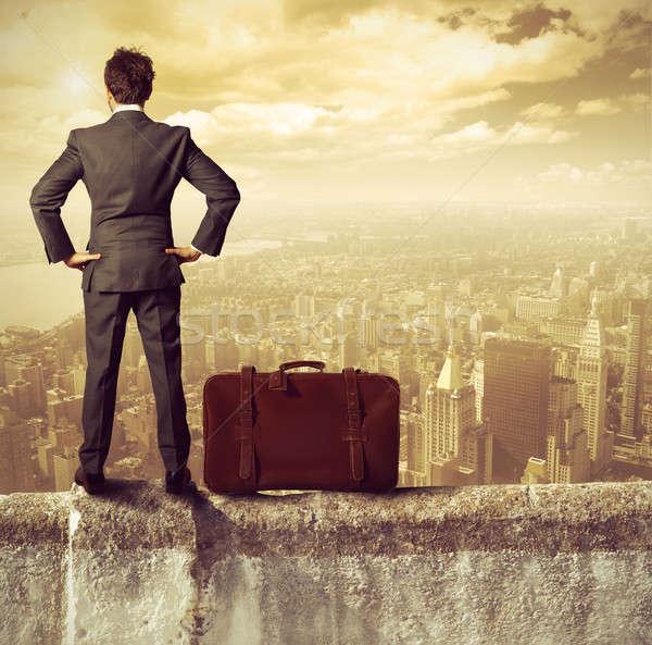 бизнесмен успех здании работу путешествия работник Сток-фото © alphaspirit