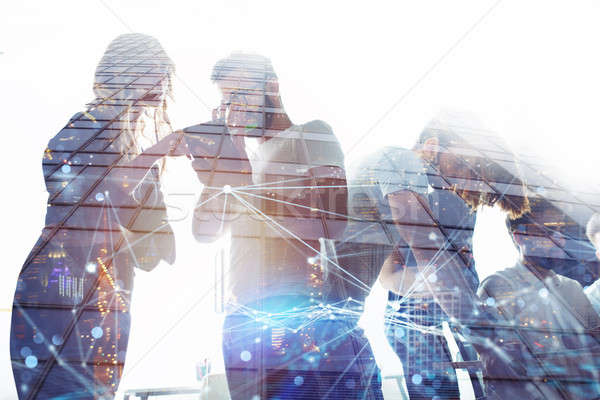 üzletemberek munka együtt iroda csapatmunka együttműködés Stock fotó © alphaspirit