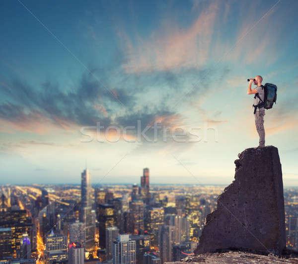 Empresario mirando futuro nuevos negocios Foto stock © alphaspirit