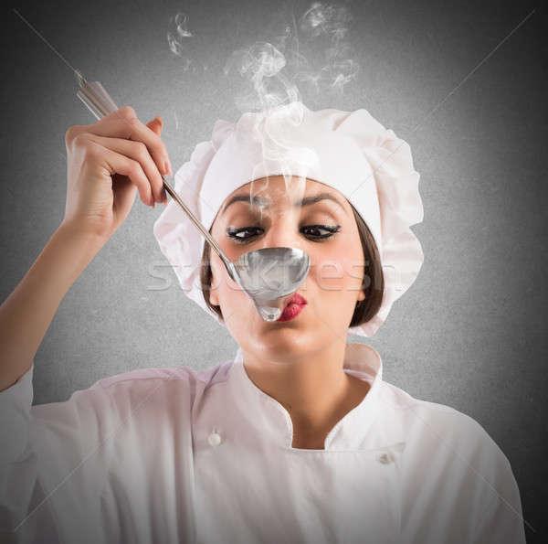 Heerlijk smaak vrouw chef voedsel restaurant Stockfoto © alphaspirit