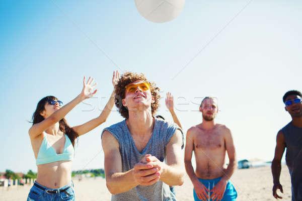 Foto stock: Grupo · amigos · jogar · praia · vôlei · feliz