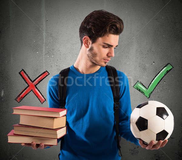 Foto stock: Jugando · estudiar · nino · pelota · escuela · deporte