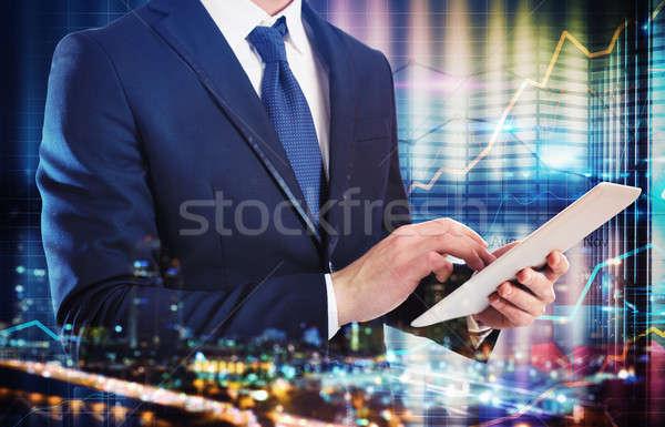 Analisi business tecnologia imprenditore lavoro tablet Foto d'archivio © alphaspirit