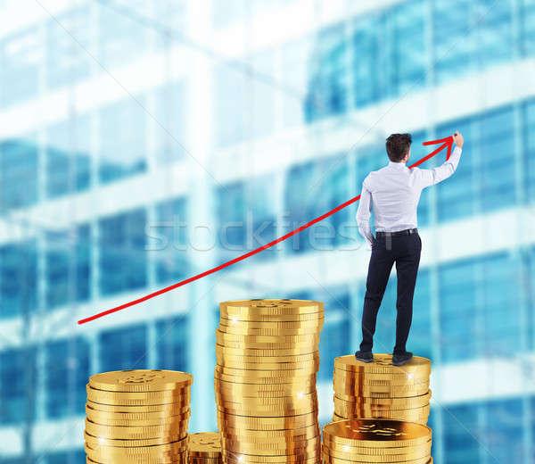 Empresário crescente seta companhia estatística Foto stock © alphaspirit