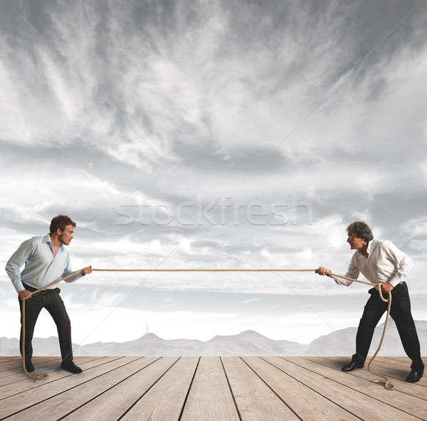 Zakenman touw uitdagen werk groep Stockfoto © alphaspirit