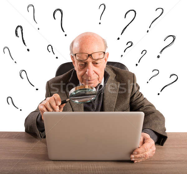 Moeilijk technologie man ouderen verward Stockfoto © alphaspirit