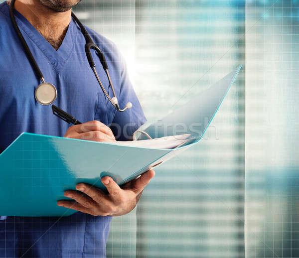Medische record arts stethoscoop man werk Stockfoto © alphaspirit