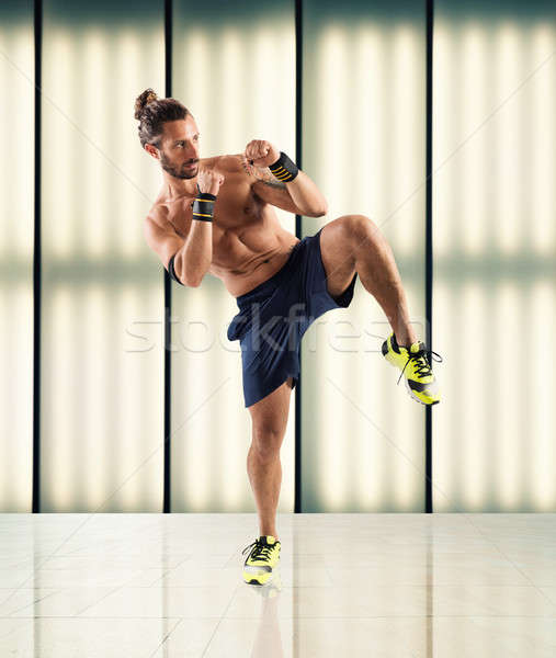 Fitness coach man trein binnenshuis Stockfoto © alphaspirit