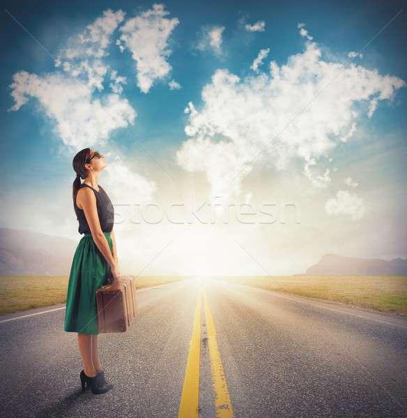 Nubes próximo destino mujer negocios cielo Foto stock © alphaspirit