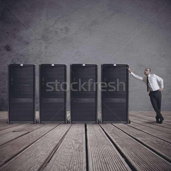 Geschäftsmann Server Rechenzentrum Zimmer Business Internet Stock foto © alphaspirit