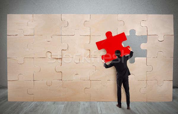 отсутствующий кусок головоломки бизнесмен полный бизнеса Сток-фото © alphaspirit