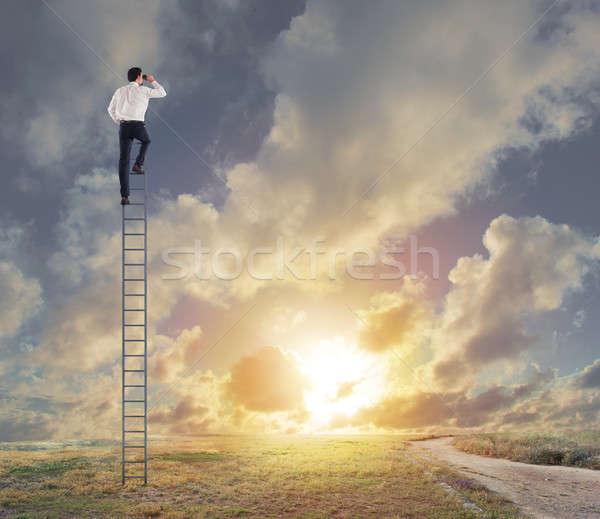 ビジネスマン ルックス 遠く 新しい ビジネス 階段 ストックフォト © alphaspirit