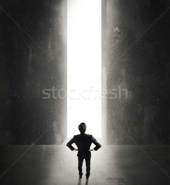 Przyszłości biznesmen świetle przełom działalności Zdjęcia stock © alphaspirit