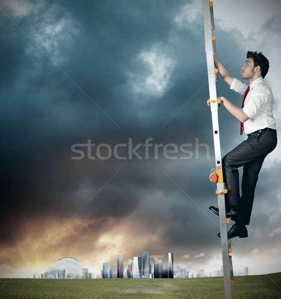 Karrier üzletember nehéz égbolt fű nap Stock fotó © alphaspirit