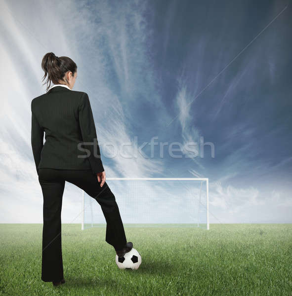 üzletasszony kihívás üzlet lány sport futball Stock fotó © alphaspirit