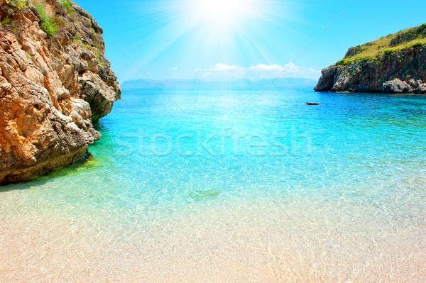 Tropikal plaj güneşli plaj gökyüzü doğa deniz Stok fotoğraf © alphaspirit