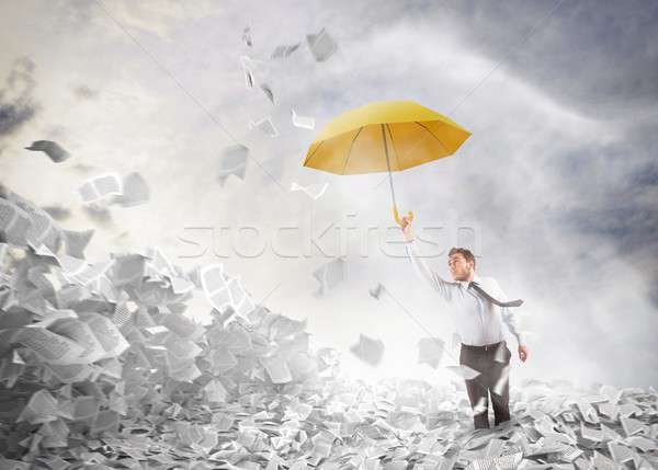 Bureaucratie homme sur affaires volée parapluie Photo stock © alphaspirit