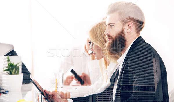 Biznesmen biuro Internetu sieci startup firmy Zdjęcia stock © alphaspirit