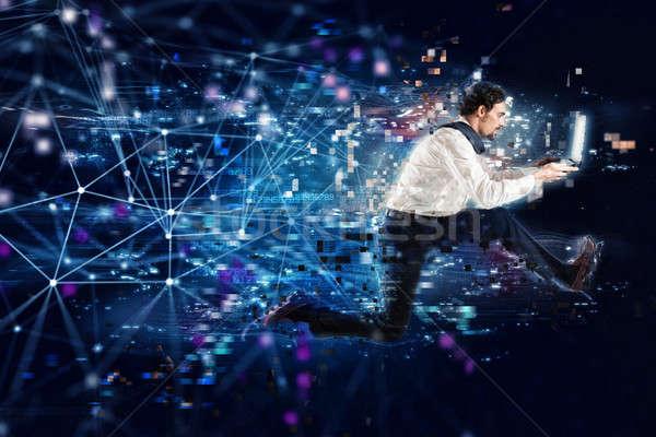 Hızlı Internet bağlantı çalışma işadamı dizüstü bilgisayar Stok fotoğraf © alphaspirit