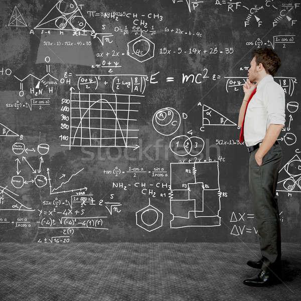 Geschäftsmann lösen Probleme Business Studenten Bildschirm Stock foto © alphaspirit