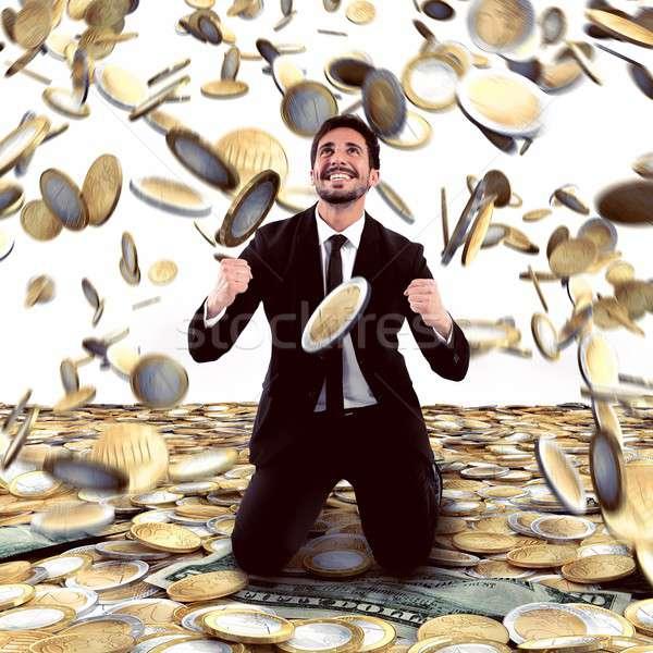 Győzelem pénz üzletember eső üzlet boldog Stock fotó © alphaspirit