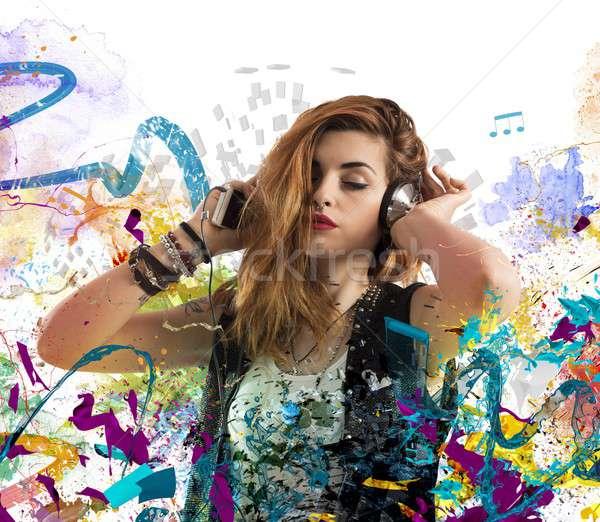 Stok fotoğraf: Müzik · tutku · kız · dinlemek · renkli · notlar