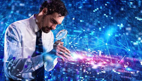 Biznesmen komputera wirusa hacker działalności Internetu Zdjęcia stock © alphaspirit