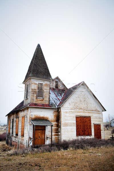 Oude verlaten kerk landelijk Oregon gebroken Stockfoto © alptraum