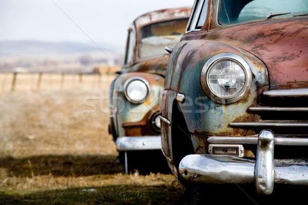 Dwa opuszczony vintage samochody wiejski Zdjęcia stock © alptraum
