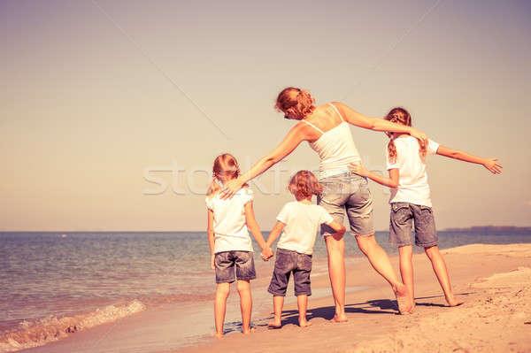 母親 子供 演奏 ビーチ 優しい 家族 ストックフォト © altanaka