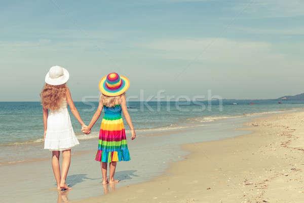 幸せ 子供 演奏 ビーチ 日 時間 ストックフォト © altanaka