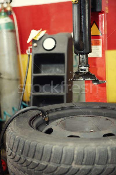 Autógumi garázs autó javítás bolt kerék Stock fotó © Amaviael