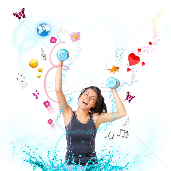 Genç mutlu kadın genç kadın dambıl nesneler Stok fotoğraf © Amaviael
