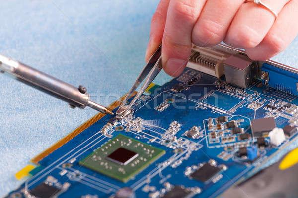 はんだ付け 女性 ツール コンピュータ 作業 ストックフォト © Amaviael