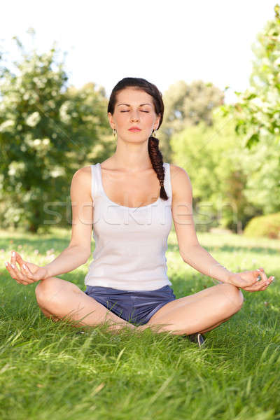 Mulher jovem ioga caucasiano mulher exercer fora Foto stock © Amaviael