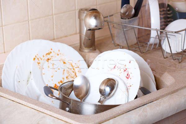 Koszos edények köteg ahogy tányérok edény Stock fotó © Amaviael