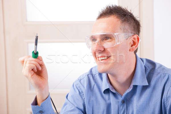 Saldatura uomo strumento indossare occhiali di sicurezza tecnologia Foto d'archivio © Amaviael