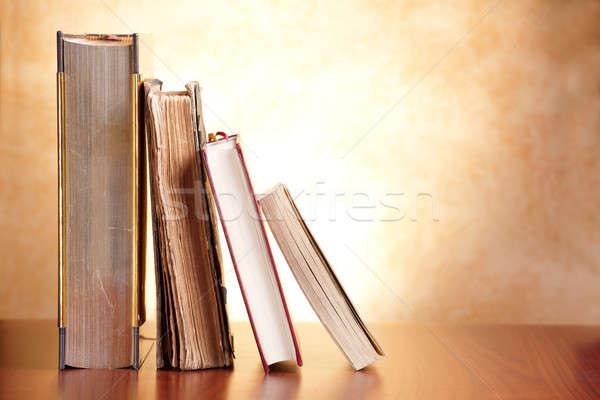Eski kitaplar ahşap masa kitap eğitim İncil Stok fotoğraf © Amaviael