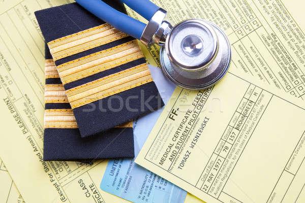 Exame avião piloto equipamento médicos Foto stock © Amaviael