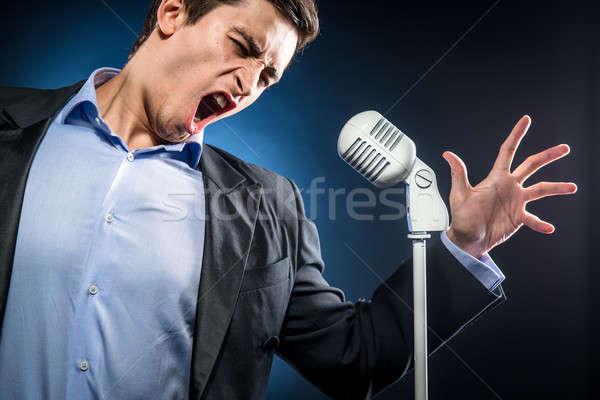 певец девяностых хриплый голос медляки тех пор саке