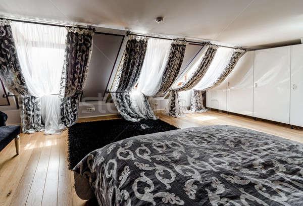 Belső divatos hálószoba otthon ablak hotel Stock fotó © amok