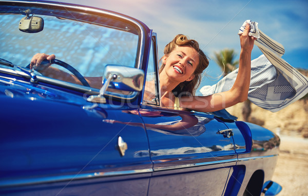 美しい 幸せ 女性 座って レトロな 二輪馬車 ストックフォト © amok