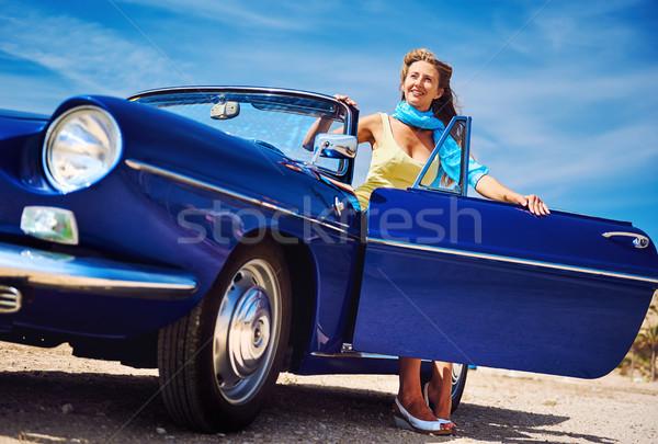 Hermosa feliz mujer sesión retro cabriolé Foto stock © amok