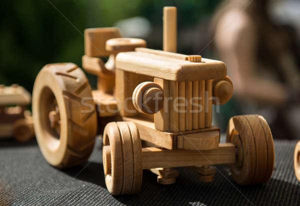 Pequeno brinquedo de madeira carro modelo brinquedo retro Foto stock © amok