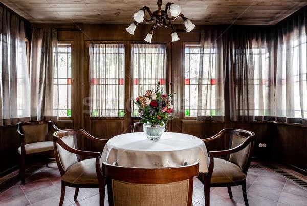Contemporanea sala da pranzo design stanza legno soffitto Foto d'archivio © amok
