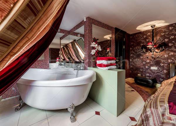 Photo stock: Intérieur · modernes · salle · de · bain · mur · maison · chambre