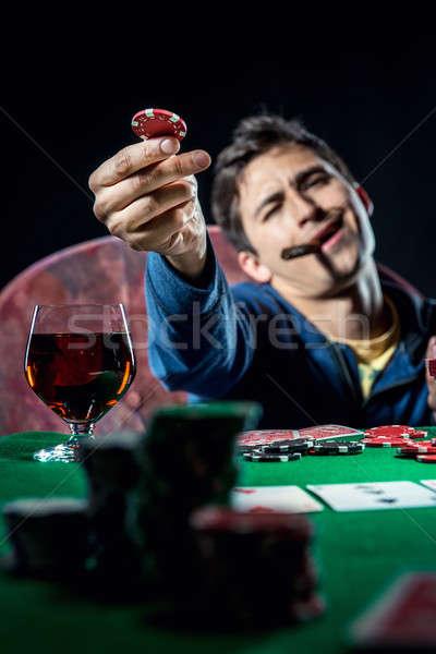 Foto stock: Pôquer · jogador · lasca · cassino · jovem