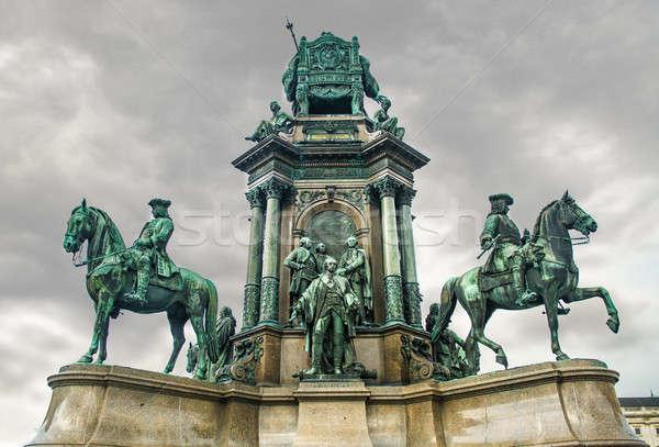 Wiedeń niebo chmury budowy architektury posąg Zdjęcia stock © amok